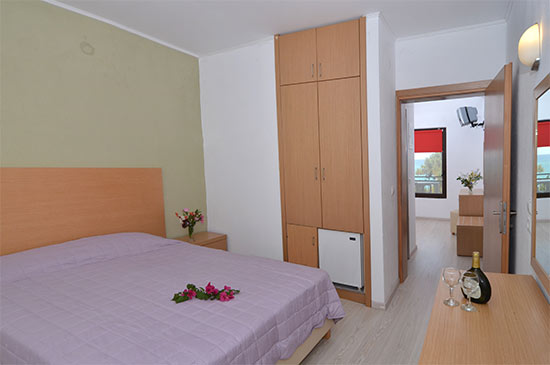 https://www.hotel-esperia.gr/images/galleries/accommodations/apartments/1.jpg