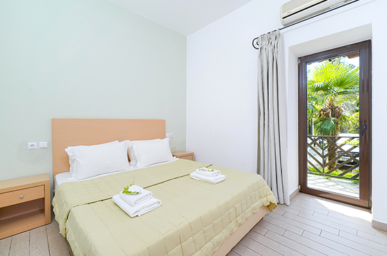 https://www.hotel-esperia.gr/images/galleries/accommodations/rooms/2.jpg