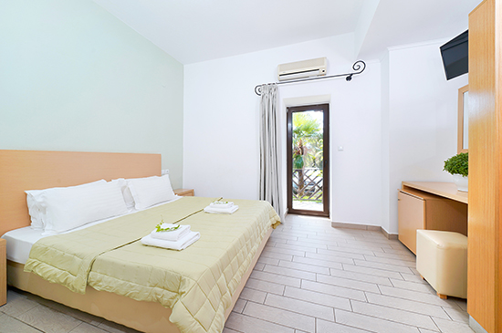 https://www.hotel-esperia.gr/images/galleries/accommodations/rooms/3.jpg