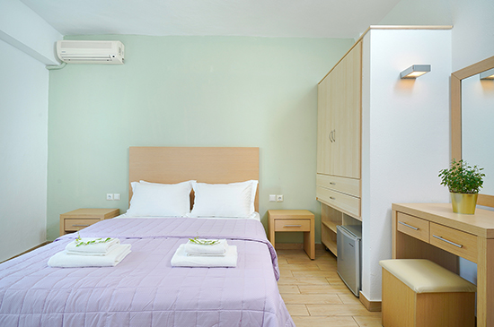 https://www.hotel-esperia.gr/images/galleries/accommodations/rooms/7.jpg