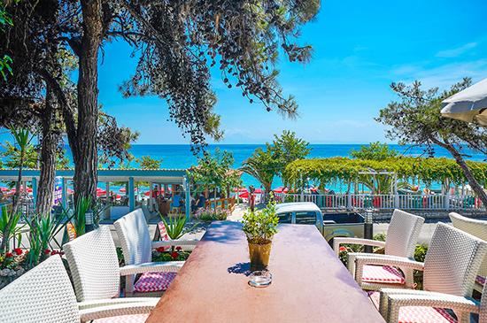 https://www.hotel-esperia.gr/images/galleries/facilities/garden/2.jpg
